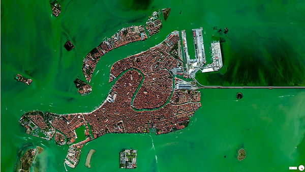 29张太空中的卫星拍摄的地球照片-意大利,威尼斯