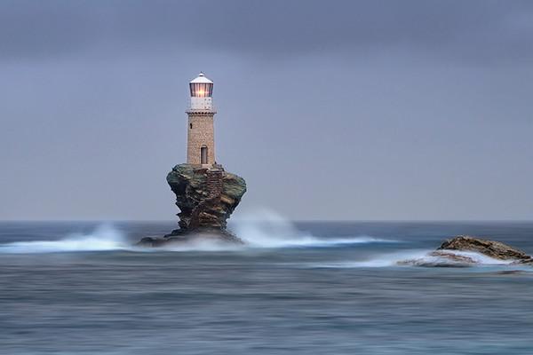 28个世界上久经考验的灯塔建筑,希腊安德罗斯岛灯塔