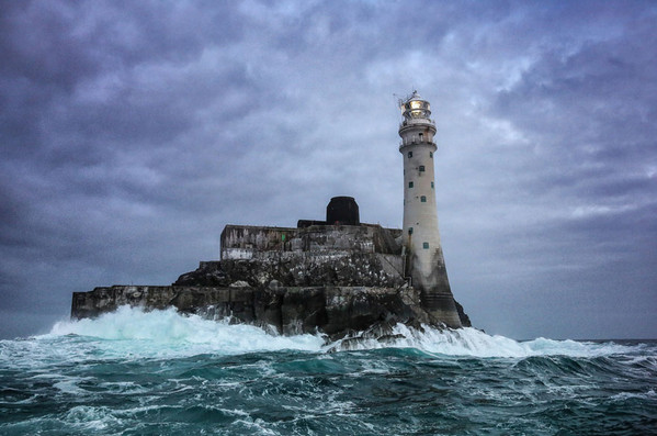 28个世界上久经考验的灯塔建筑,爱尔兰Fastnet Rock灯塔