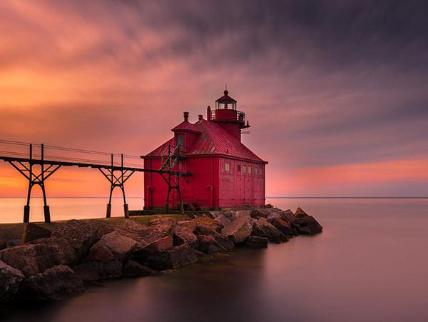 28个世界上久经考验的灯塔建筑,美国威斯康星州,斯特金湾灯塔