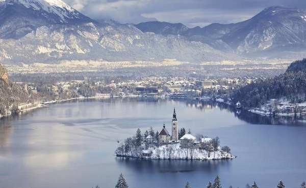 30个世界上冬天里最美丽的城镇,斯洛文尼亚布莱德