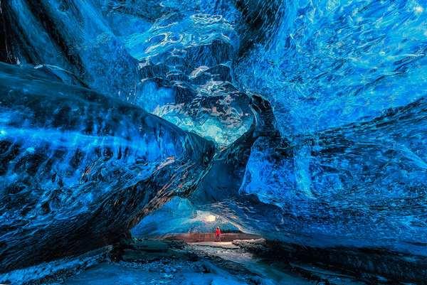 探索世界上最美丽的幽冥洞穴