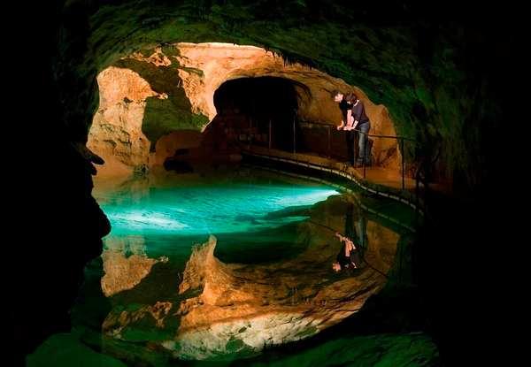 探索世界上最美丽的幽冥洞穴,澳大利亚纽卡索石窟