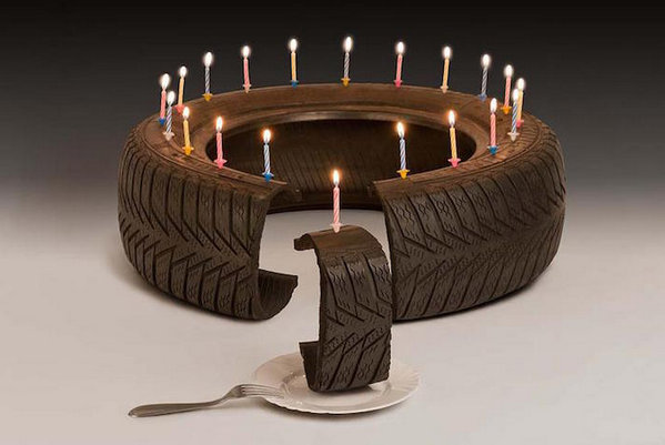 Martin Roller 日常用品混搭艺术集,轮胎,蛋糕