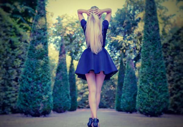 《背影》只可远观不可亵渎壁纸,时尚,美女
