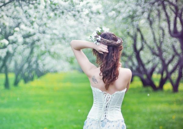 《背影》只可远观不可亵渎壁纸,春天,美女