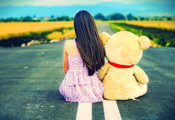 《背影》只可远观不可亵渎壁纸,少女,玩具熊,油菜花