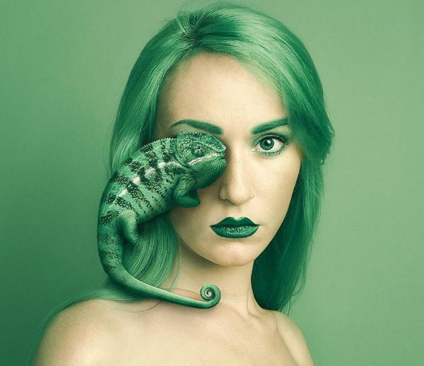 Flora Borsi 变色龙与人之眼创意摄影