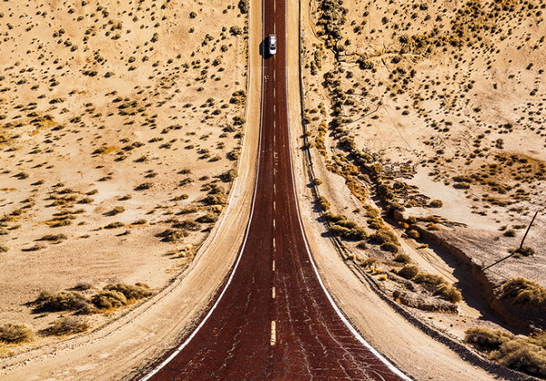 Aydin Buyuktas 平面国扭曲的风景摄影